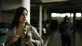 Una mujer acosada en la calle