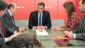 Pedro Sánchez, en su reunión con Andoni Ortuzar y Aitor Esteban (PNV), Idoia Mendia y Ábalos.