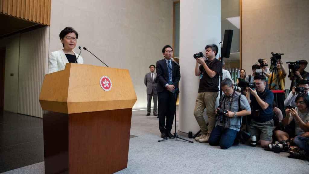 La líder de Hong Kong, Carrie Lam, en rueda de prensa.