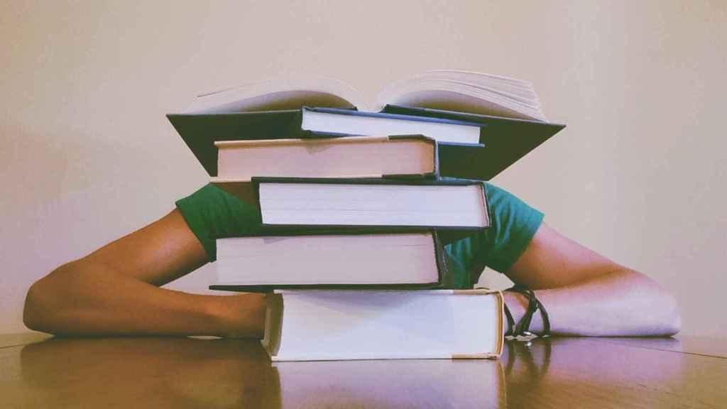 Es la hora de solicitar becas, infórmate si eres estudiante