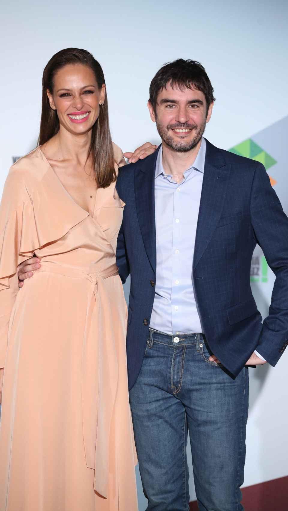 Eva junto a Juanra Bonet.
