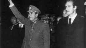 Augusto Pinochet y Juan Carlos.