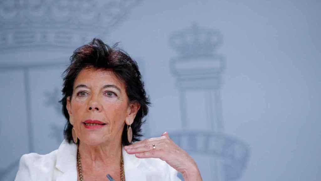 La portavoz del Gobierno, Isabel Celaá, en una foto de archivo tras la reunión del Consejo de Ministros.