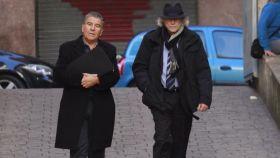 El empresario Daniel Mercado (izda), junto a su abogado Jaime Sanz de Bremond en los juzgados de Palma.