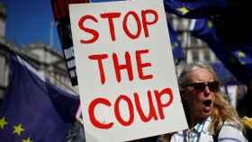 Protestas en contra del plan de Johnson.