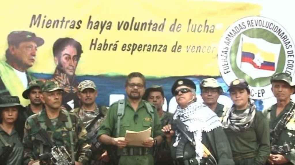 Iván Márquez en  el vídeo en el que anuncia su vuelta a las armas con una facción de las FARC, desde algún punto del sureste de Colombia, cerca de la fronteras de Venezuela.