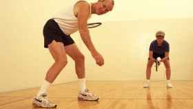Una atlética pareja de la tercera edad.