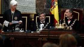 Segarra, durante su discurso junto a Carlos Lesmes y Felipe VI.