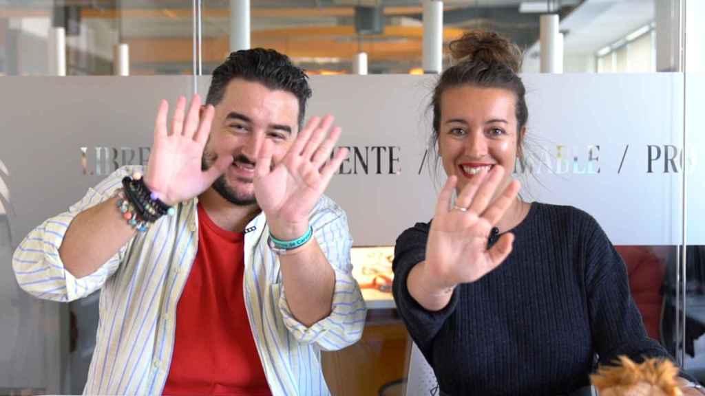 Jesús Carmona y Cristina Rodrigo durante el kiosco rosa en vídeo.