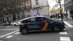 Imagen de un coche patrulla de la Policía Nacional en Madrid