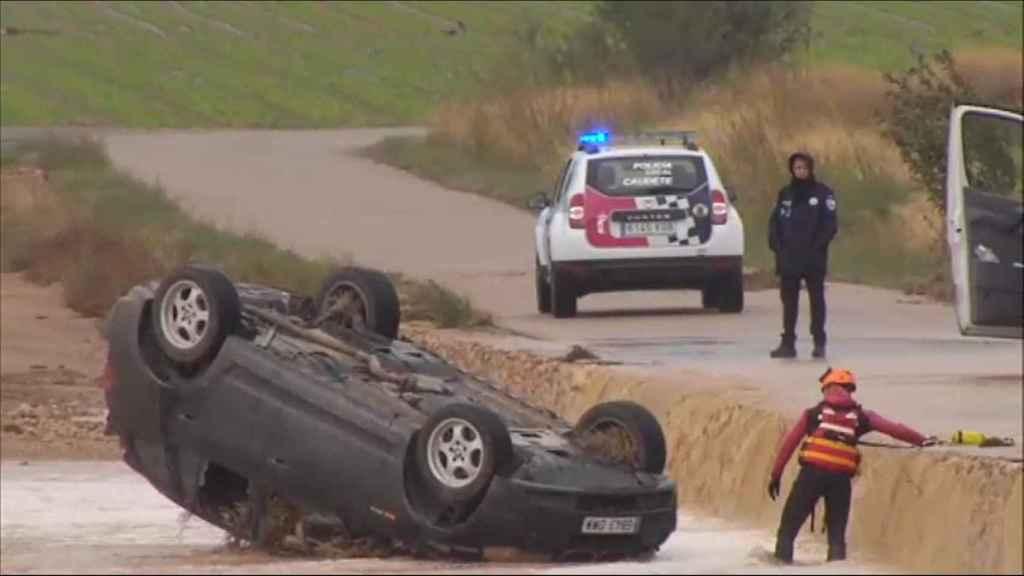 Los hermanos han muerto dentro de su coche en Caudete (Albacete) debido a la tromba de agua.
