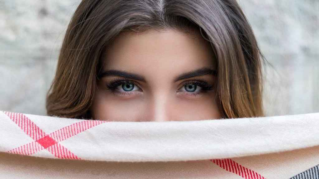 Tener unas bonitas cejas, hace que nos encontremos más bellas