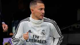 Eden Hazard saliendo del túnel de vestuarios del Santiago Bernabéu