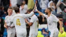 Benzema y Sergio Ramos celebran un gol ante el Levante