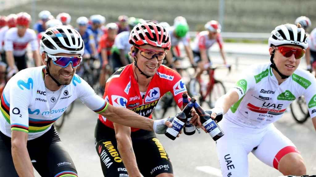 Valverde, Roglic y Pogacar celebran durante La Vuelta 2019