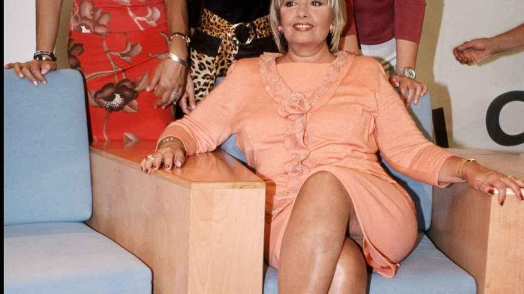 De izquierda a derecha: Belén Rodríguez, Yolanda Flores, Teresa Campos y Rocío Carrasco en la presentación de 'Día a día' en septiembre de 2001.