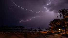 Tormenta eléctrica registrada la madrugada de este sábado en Mallorca. EFE/Cati Cladera.