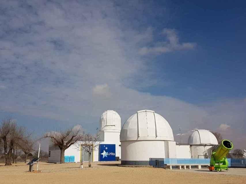 AstroHita, un observatorio construido a mano en el páramo manchego.