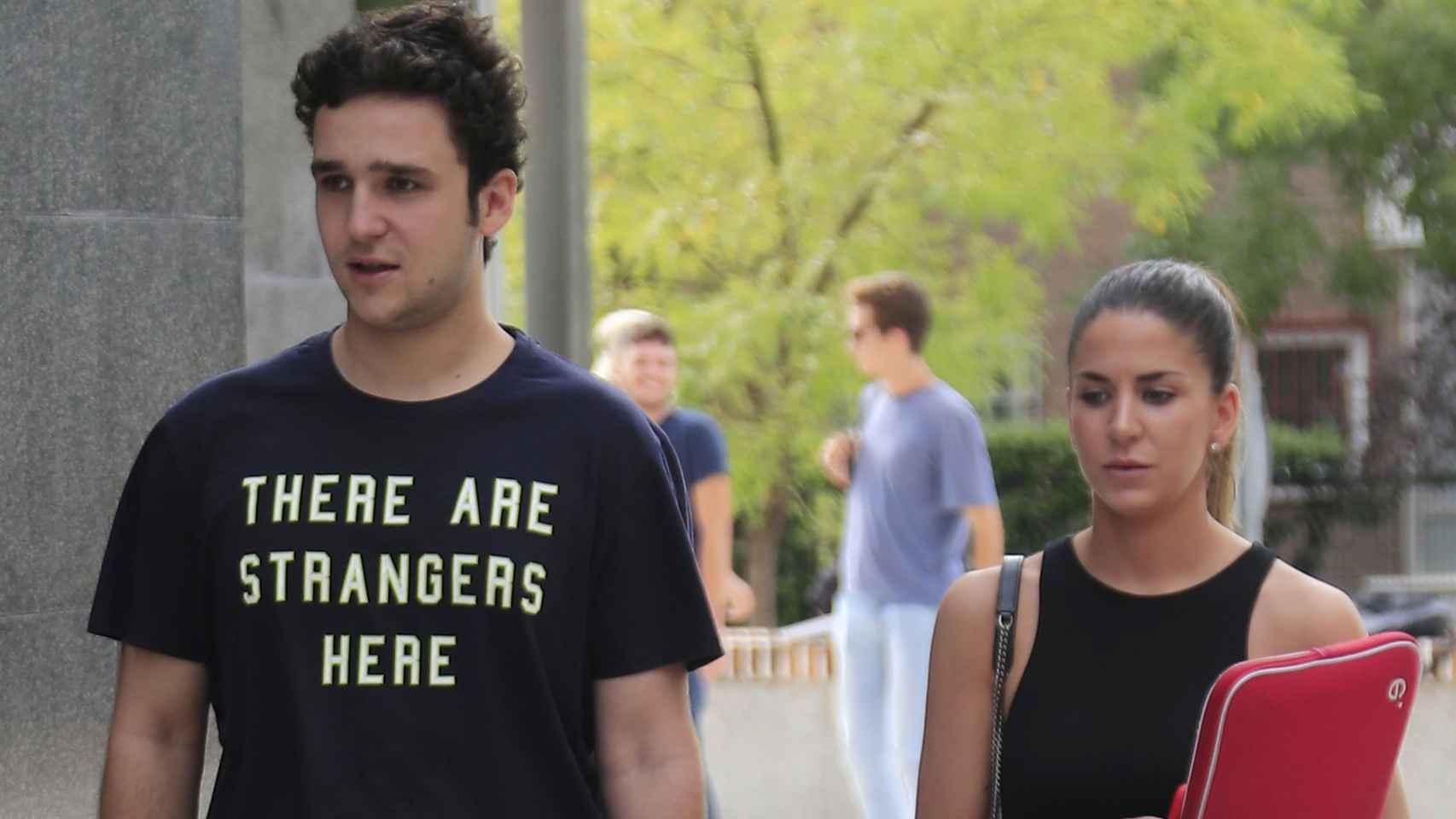 Felipe de Marichalar y Mar Torres a su llegada a la Universidad.