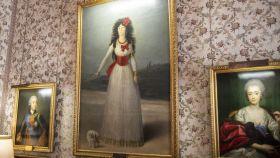 Retrato de Doña María del Pilar Teresa Cayetana de Silva Álvarez de Toledo, XIII duquesa de Alba, a cargo de Goya, la obra más icónica del Palacio de Liria