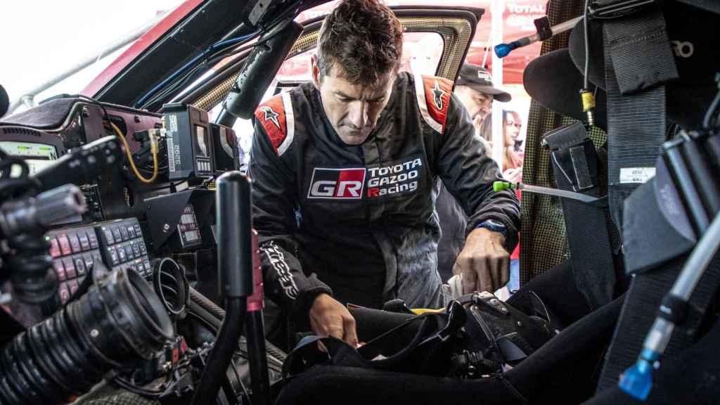 Fernando Alonso prepara el Dakar 2020 en Toyota junto con Marc Coma