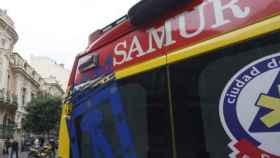 El SAMUR ha trasladado a la madre y a la hija en estado grave al hospital.