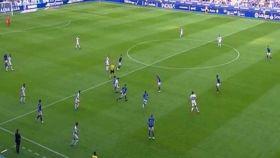 Un momento del partido entre el Oviedo y el Extremadura