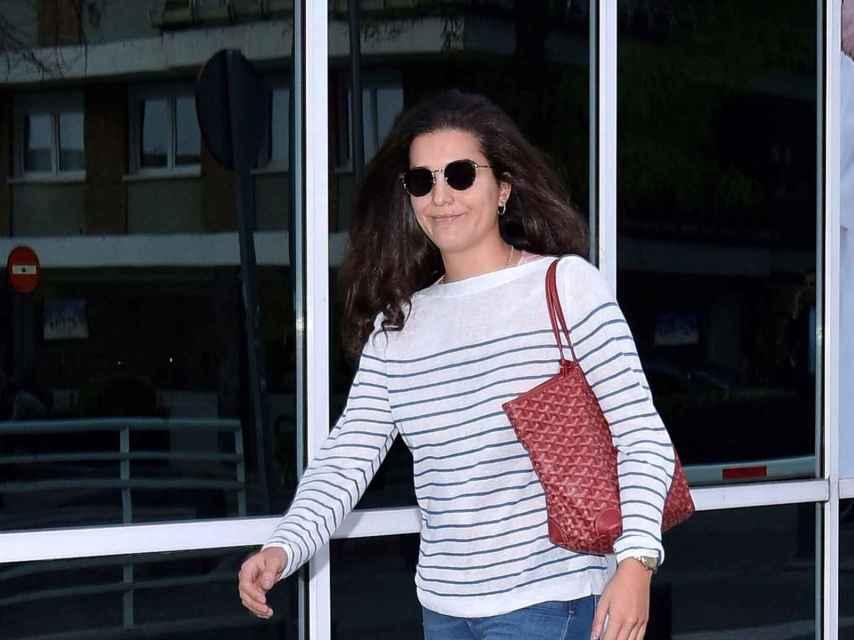 Bárbara Mirjan a su salida del hospital donde permanece ingresado Cayetano Martínez de Irujo.