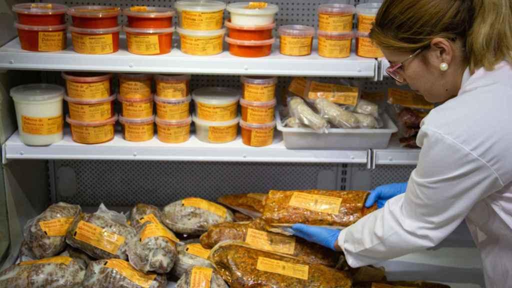 Productos de la firma en el interior de la fábrica de 'Sabores de Paterna'.