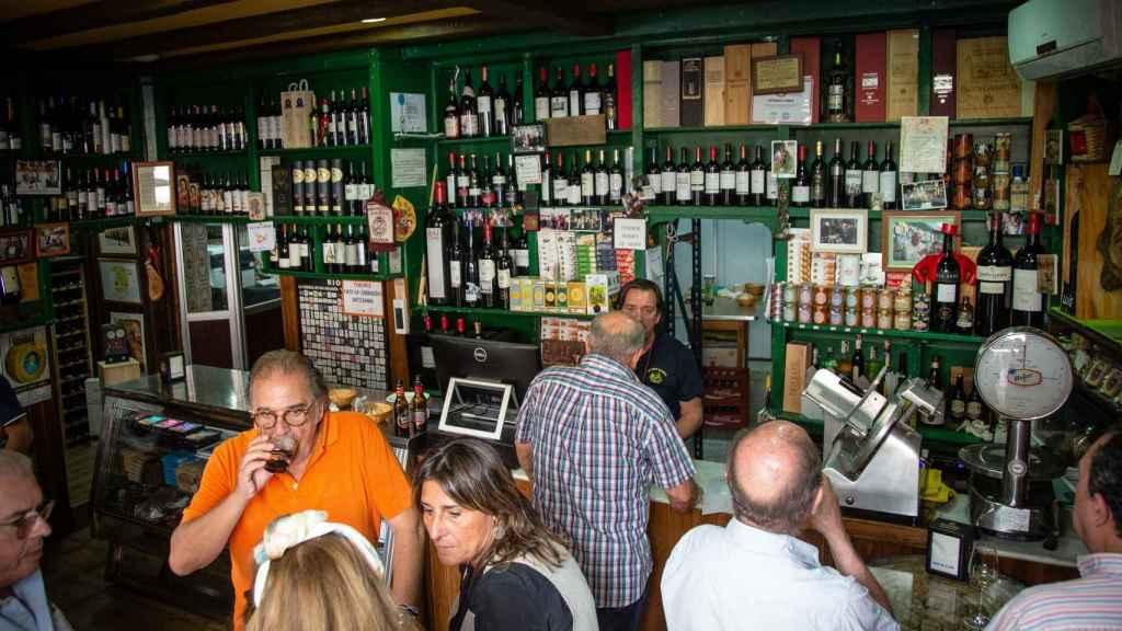'La Cepa Gallega' vendía habitualmente unos 30 kilos semanales de chicharrones de 'Sabores de Paterna'.