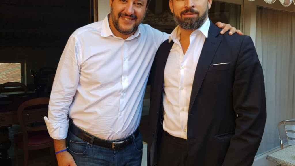El líder de La Liga, Matteo Salvini, junto al presidente de Vox, Santiago Abascal, este viernes en Roma.