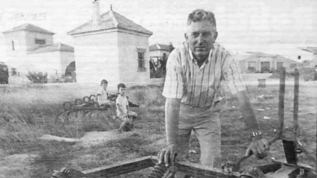 Imagen de Paco y Pedro Antonio, hijos de Pedro 'El Colorao, cuando estaba en activo al frente de las finas agrícolas de la familia en Molina de Segura.