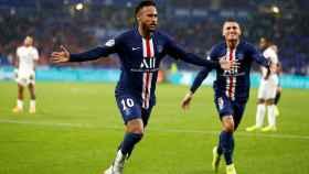 Neymar celebra su tanto en el Lyon - PSG