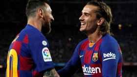 Messi y Griezmann celebran uno de los goles del partido entre el Barcelona y Villarreal