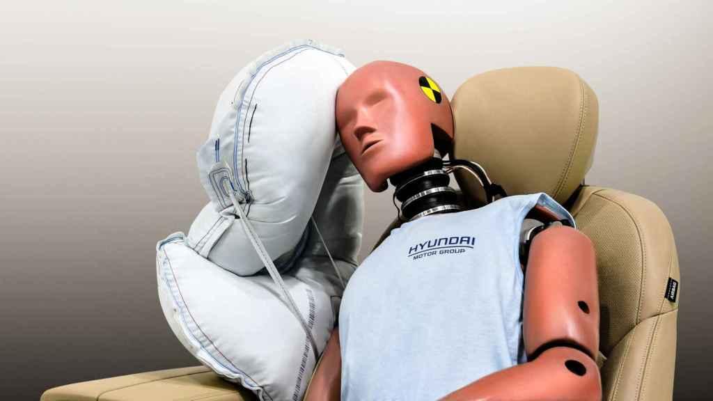 Un ejemplo de los chips son lo sensores que despliegan los airbags.