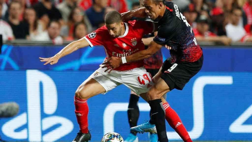 Adel Taarabt, con el Benfica en la Champions League