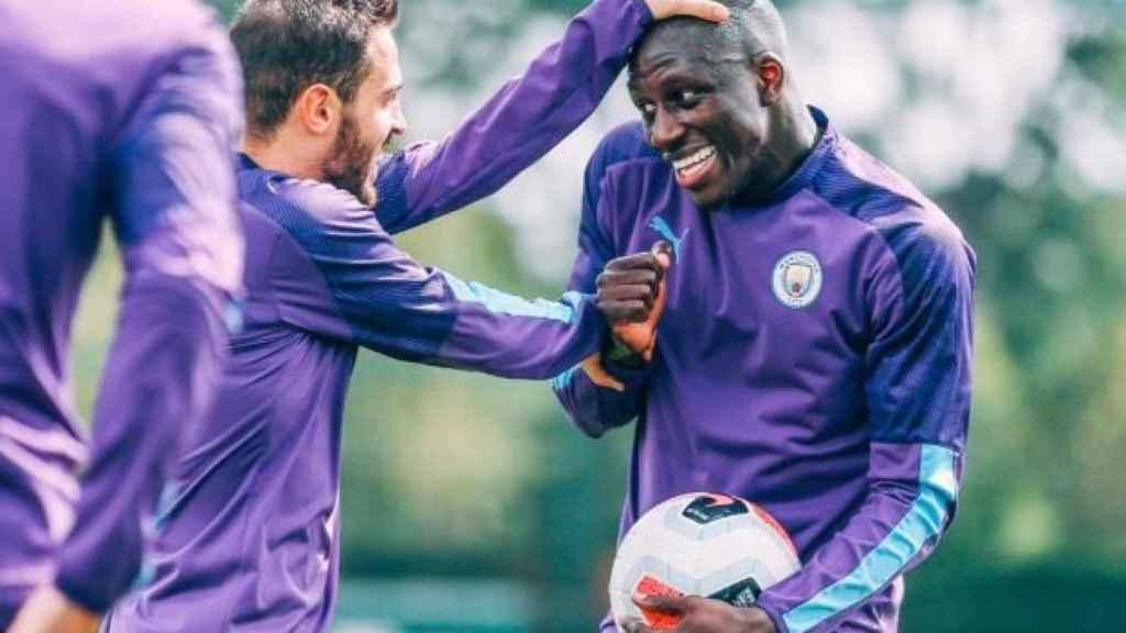 Bernardo Silva y Benjamin Mendy en un entrenamiento. Foto Twitter (@BernardoCSilva)