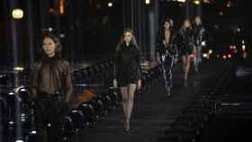 Saint Laurent ha querido huir del puritanismo en su último desfile en la Semana de la Moda de París.