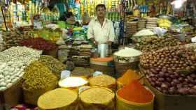 Cúrcuma a la venta en un mercado de Dhaka, Bangladesh. Abir Abdullah / Asian development bank