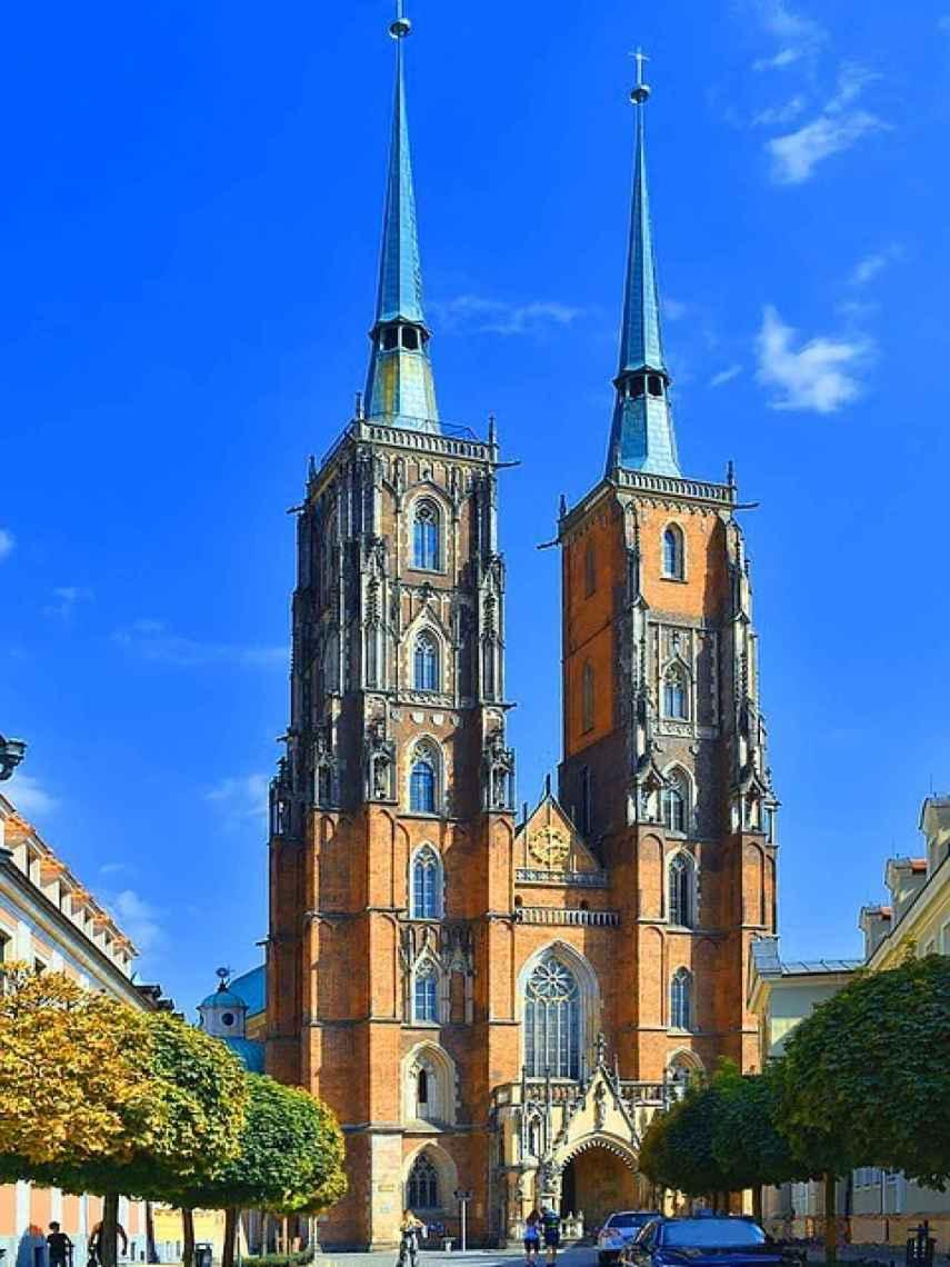 La Catedral de San Juan Bautista se encuentra en la parte antigua de la ciudad.
