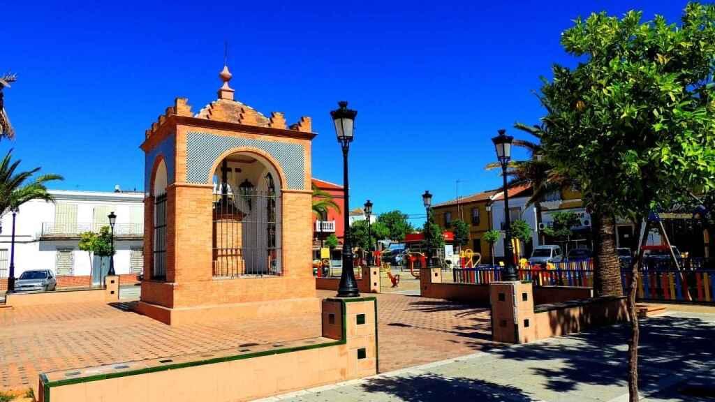 La plaza de Pilas, el pueblo donde Francis tenía la panadería.