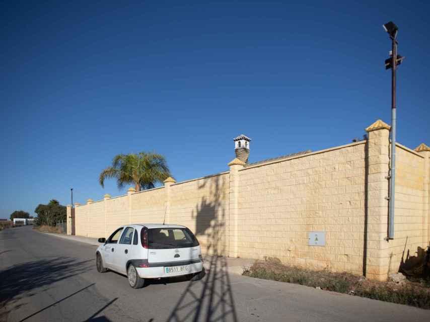 Chalet en el que tres hombres recibieron una brutal paliza a manos, presuntamente, de cuatro sicarios franceses y un marroquí.
