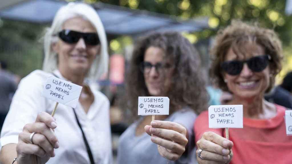 Manifestantes contra la crisis climática este viernes en Madrid.