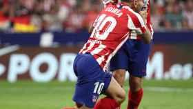 Koke y Correa, durante el derbi madrileño entre Atlético y Real Madrid