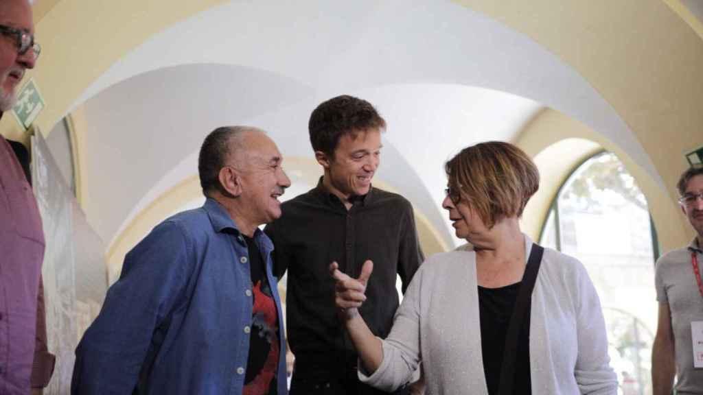 Pepe Álvarez (UGT), Íñigo errejón e Inés Sabanés, en la fiesta de los 130 años de la UGT.