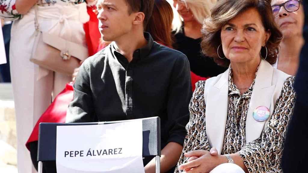 Íñigo Errejón, candidato de Más País a la Presidencia del Gobierno, y la vicepresidenta en funciones, Carmen Calvo.