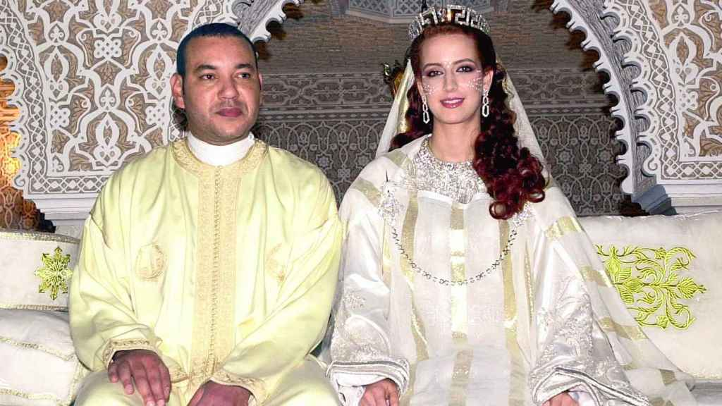 La Casa Real tuvo que desmentir que el monarca prohibiera a la princesa viajar con sus dos hijos.