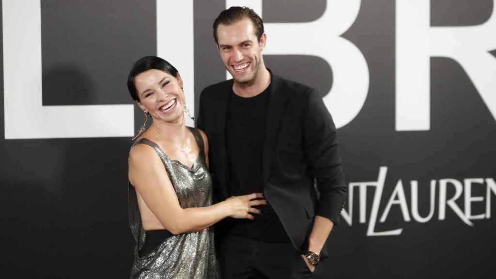La cantante acudió a un evento en Madrid junto a su prometido, Miguel Ángel Herrera.