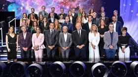La foto de familia de los rostros más importantes de Mediaset España.