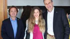 El líder de Actúa-Vox en Baleares, Jorge Campos junto a Malena Contestí y Javier Ortega Smith, secretario general de Vox.